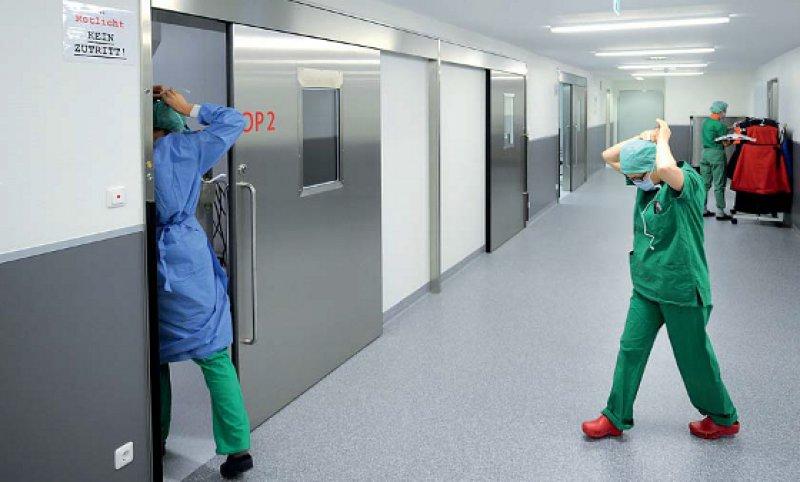 Jetzt muss es schnell gehen: Wenn während der Bereitschaft kurze Eintreffzeiten geboten sind, kann eine Rufbereitschaft nur dann zulässig sein, wenn der Arzt in der Nähe der Klinik wohnt. Foto: picture alliance