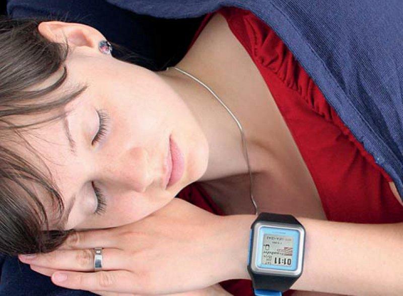 Mit einer speziellen Software lässt sich die Smartwatch für die Schlafanalyse nutzen. Foto: Fraunhofer-IGD