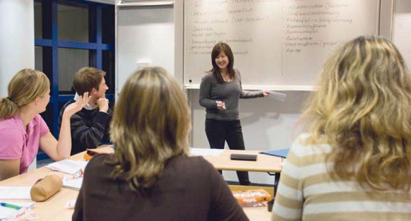 Problemorientiertes Lernen in Kleingruppen ist ein wichtiger Baustein der Lehre in Modellstudiengängen. Foto: Universität Witten/Herdecke