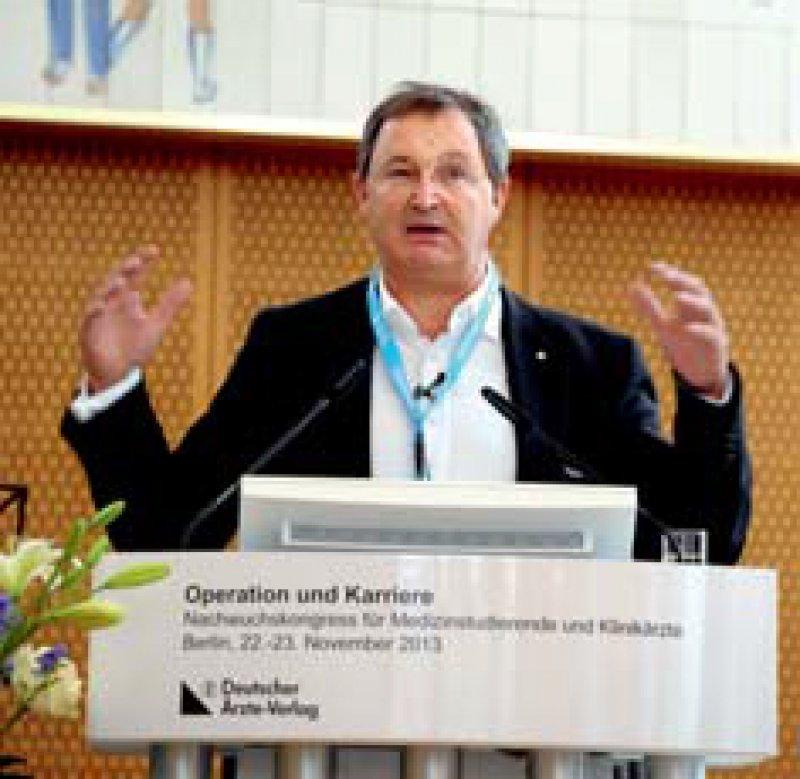 """""""Ärzte sind den Menschen so nah wie kein anderer Berufsstand"""", motivierte Günther Jonitz die Teilnehmer."""