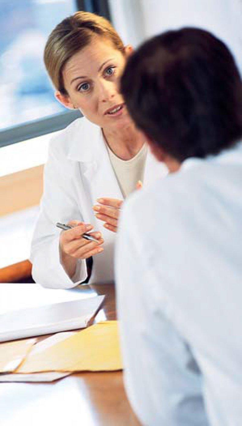 Wie hoch sind die Erträge von Arztpraxen? Dazu gibt es immer wieder umstrittene Zahlen. Foto: mauritius images