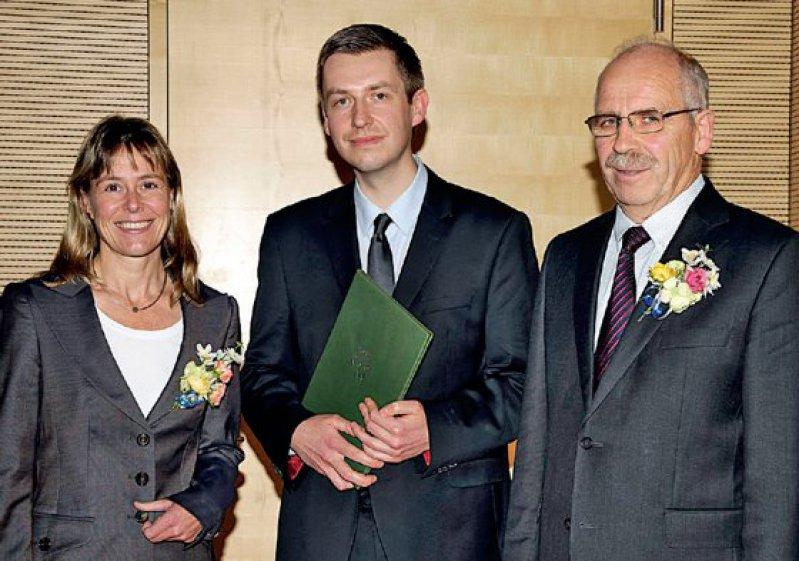Stefanie Dimmeler, Jedrzej Hoffmann und Gottfried von Knoblauch zu Hatzbach (von links). Foto: Hans-Joachim Herr