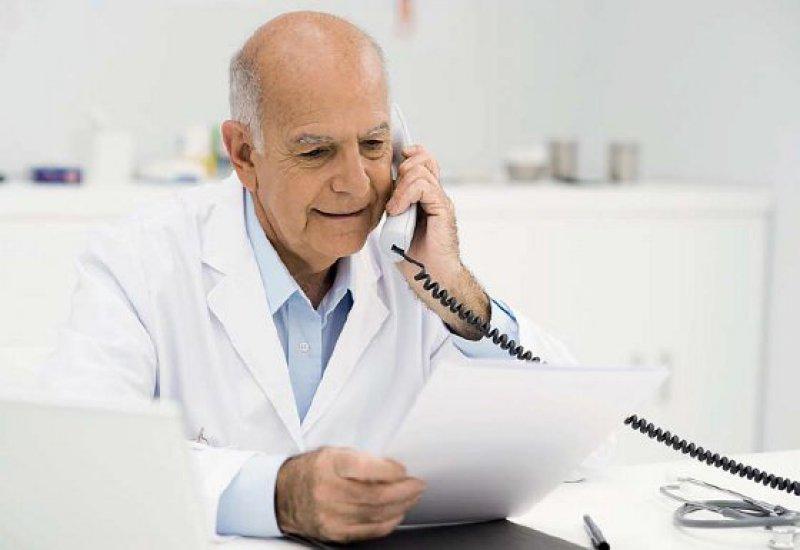 Die Suche nach einem Käufer ist heute schwerer als noch vor zehn oder 15 Jahren, als viel mehr Ärztinnen und Ärzte in die Niederlassung drängten. Foto: picture alliance