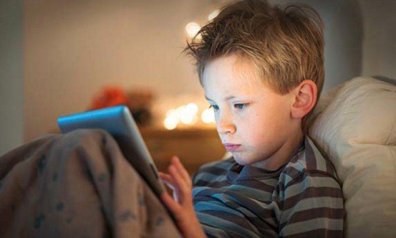 48 Prozent der Acht- bis Neunjährigen nutzen inzwischen das Internet. Foto: Fotolia/jackfrog