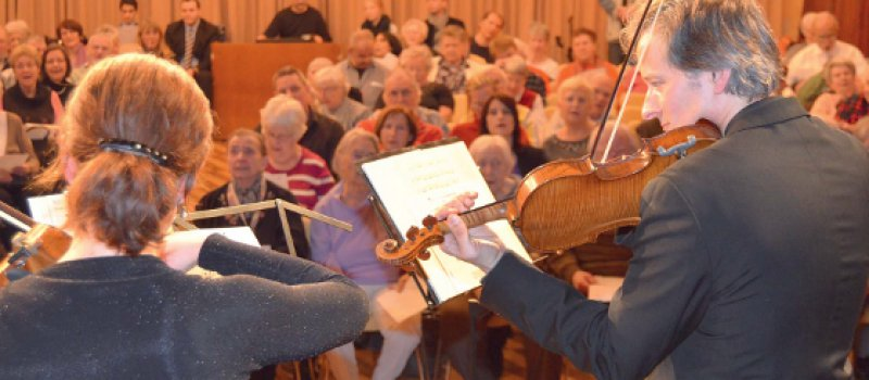 """Menschen mit Demenz und ihre Angehörigen """"an den schönen Dingen des Lebens teilhaben zu lassen"""" ist die Intention der Konzerte des WDR Sinfonieorchesters. Foto: Marie Breer/WDR"""