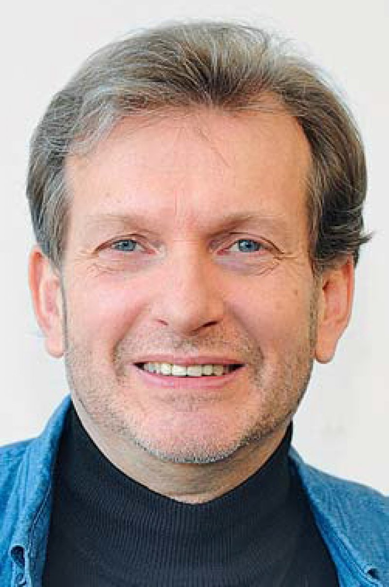 """Prof. Dr. med. Dipl.-Soz.päd. Gerhard Trabert (57) hat das """"Mainzer Modell"""" etabliert – eine niedrigschwellige medizinische Versorgung für Obdachlose und Menschen ohne Krankenversicherung. Foto: dpa"""