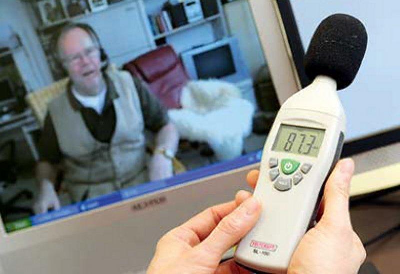 Die DGIM sieht in der Teleme- dizin einen möglichen Weg, den Ärztemangel auszugleichen. Foto: dpa