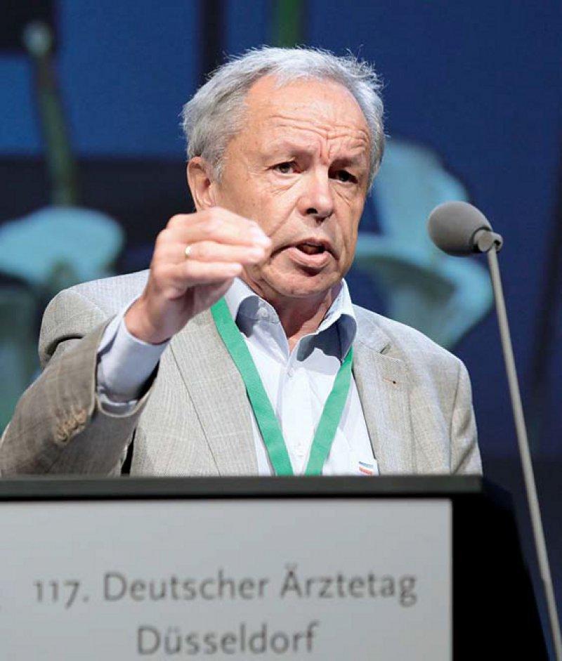 """""""Das Konzept hat sich stabilisiert."""" Franz-Joseph Bartmann, Vorsitzender der Weiterbildungsgremien der BÄK, zeigte sich zufrie- den mit den Arbeiten an der Reform der Weiterbildungsordnung."""