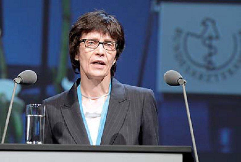 Ohne Diskussion – Marlis Hübner erläuterte die Satzungsänderung.
