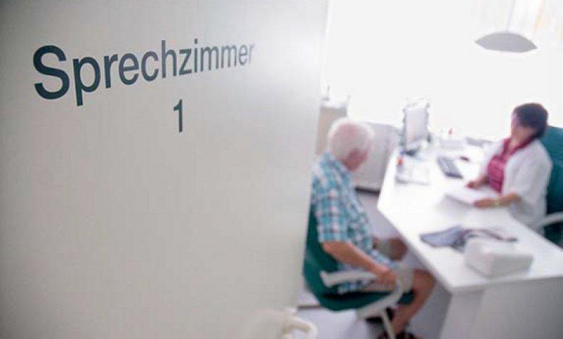 Mehr Honorar soll es künftig für die Behandlung chronisch kranker Patienten geben. Foto: dpa