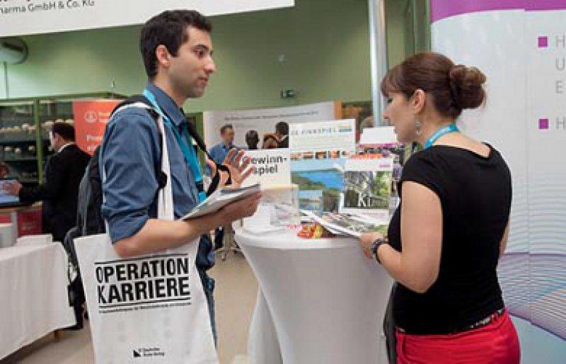 Arbeitsmarktüberblick: Zum Kongress des Deutschen Ärzteblatts kamen mehrere Hundert Mediziner. Foto: Michael Kottmeier
