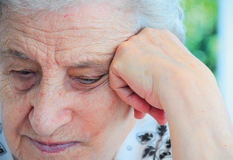 Vergesslichkeit und Konzentrationsschwäche können nicht nur Anzeichen für eine Demenz sein, sondern auch für eine Depression. Foto: iStockphoto