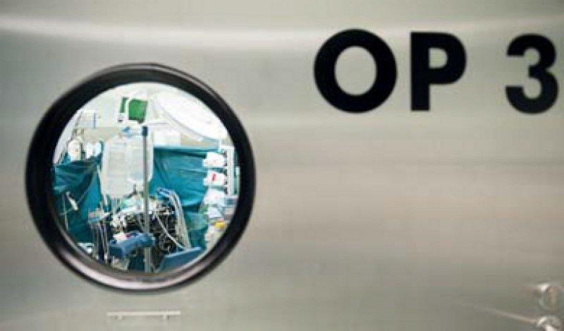 Operation ja oder nein? Mancherorts weicht die Zahl der Mandel-OPs um 30 Prozent vom Durchschnitt ab. Foto: dpa