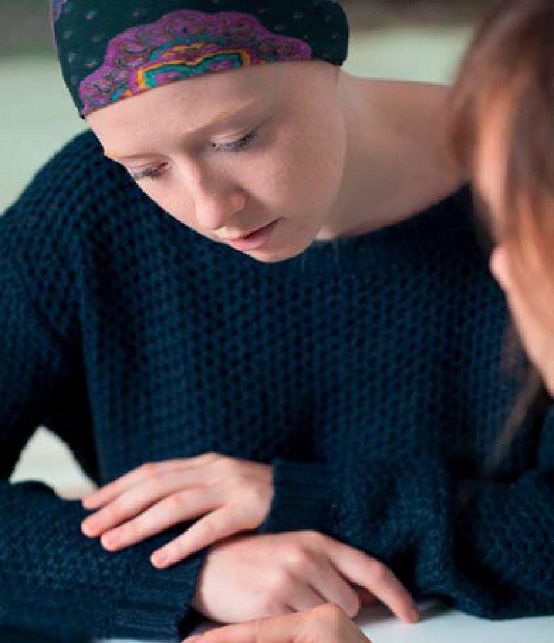 Etwa die Hälfte der Krebspatienten sind vor allem zu Beginn der Erkrankung psychisch stark belastet. Foto: Fotolia/Photographee.eu