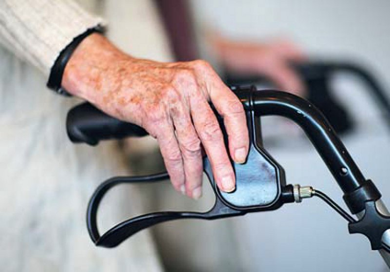 2,5 Millionen Pflegebedürftige gab es im Jahr 2011 in Deutschland. Foto: dpa