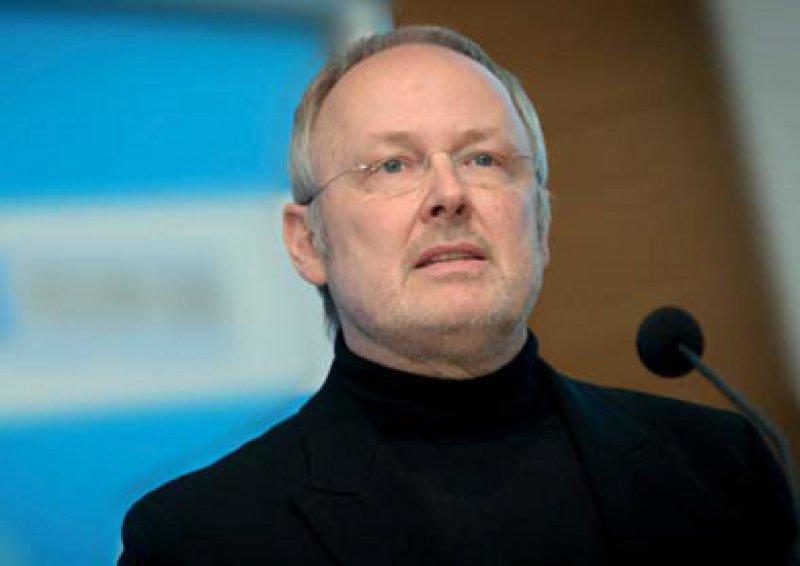 Nicht auf Kosten der Kollegen: Der Vorstand der Netzagentur, Veit-Wambach, plädiert für eine finanzielle Förderung über Add-on-Verträge. Foto: André Wagenzik
