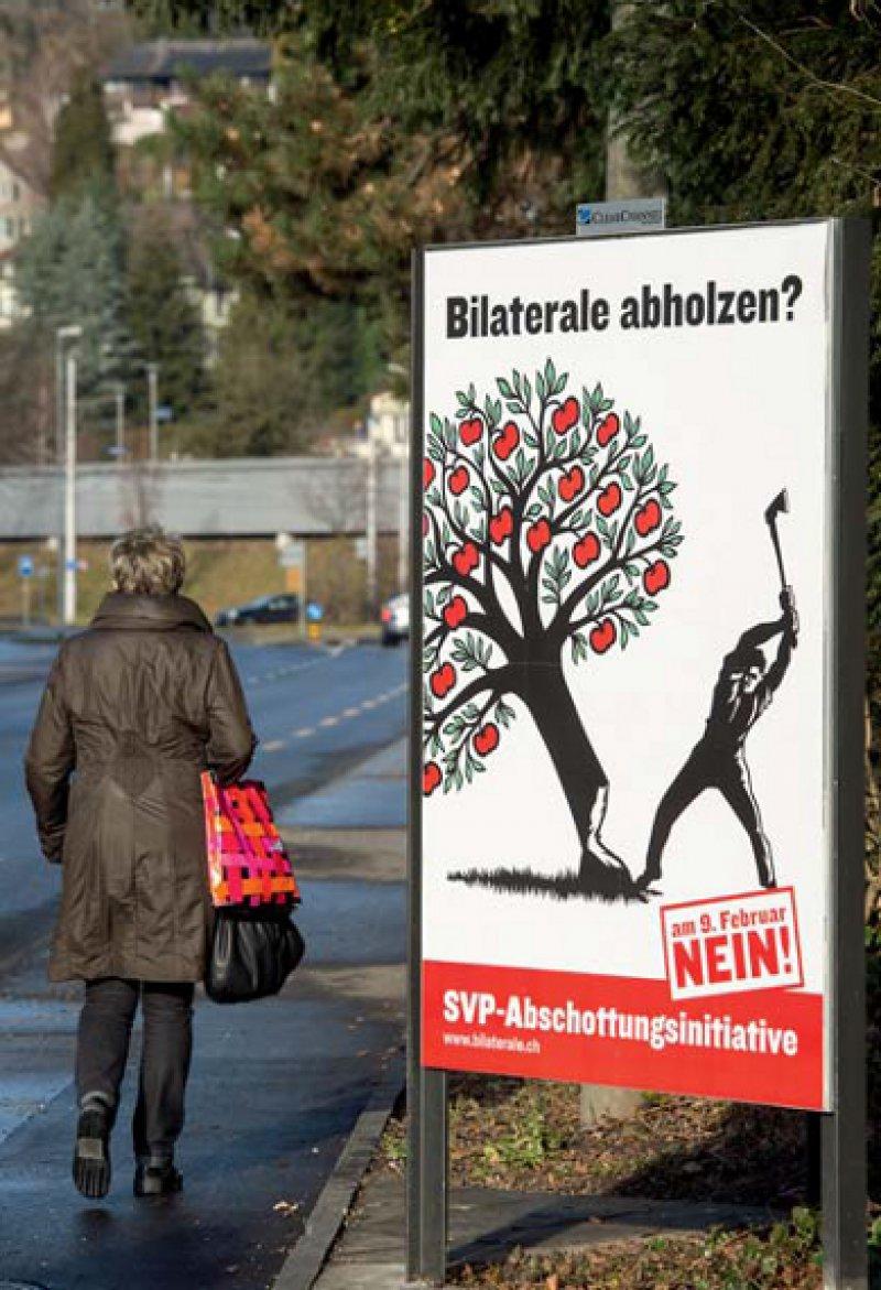 Denkbar knapp fiel die Mehrheit beim Volksentscheid aus. Lediglich 50,3 Prozent der Schweizer votierten für eine Beschränkung der Zuwanderung. Foto: picture alliance