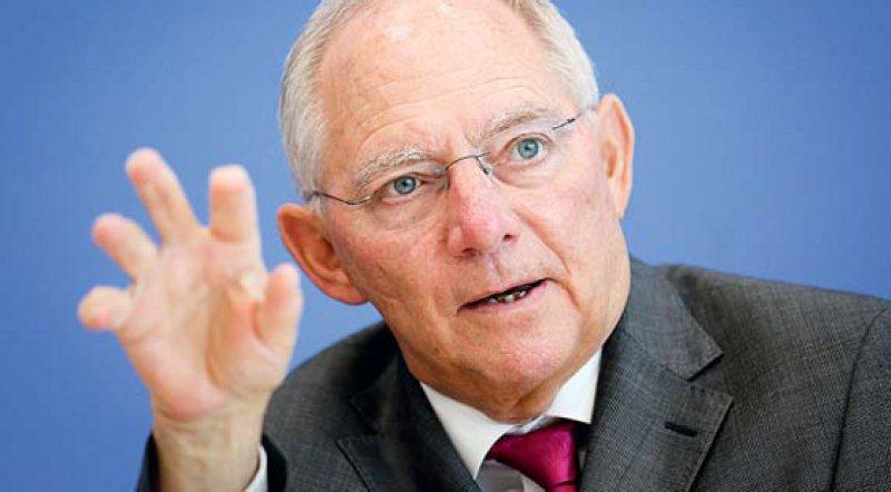 Bundesfinanzminister Wolfgang Schäuble will im kommenden Jahr einen ausgeglichenen Haushalt erreichen. Foto: dpa
