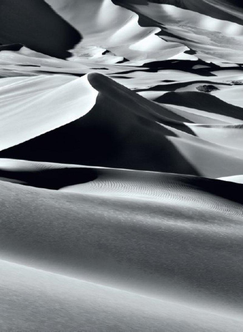 Large sand dunes between Albrg and Tin Merzouga, Tadrart. South of Djanet. Algeria. 2009. Sebastião Salgado/Amazonas images