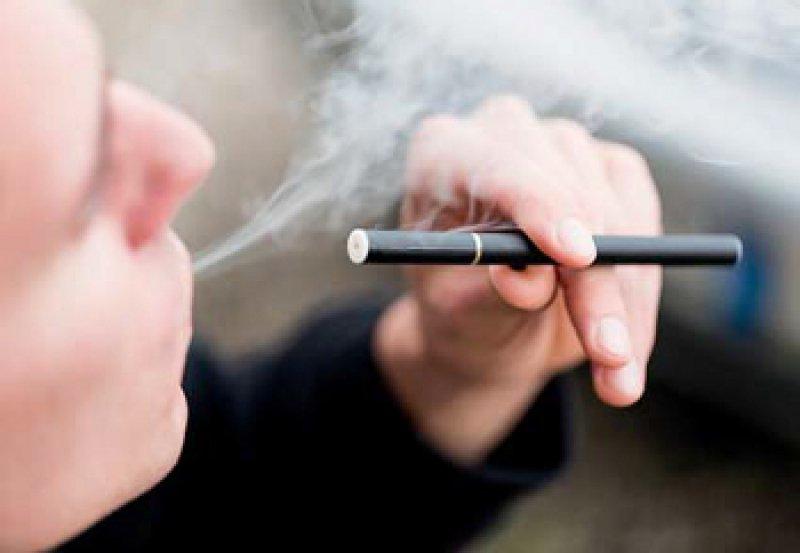 Kein unschädlicher Ersatz für herkömmliche Zigaretten. Foto: iStockphoto