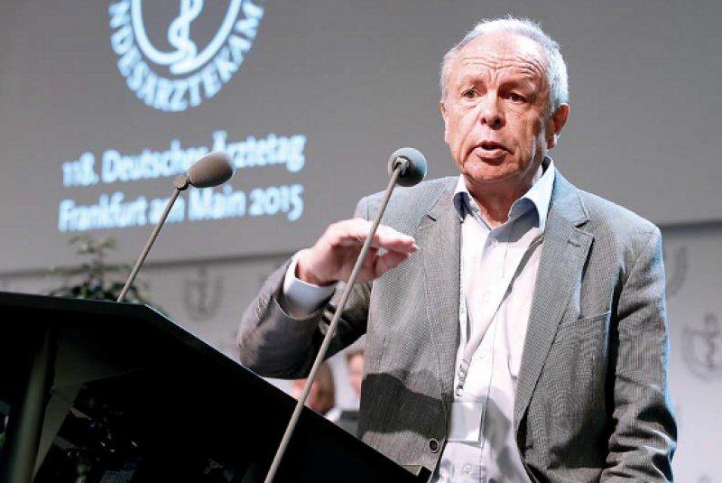 """""""Weiterbildung ist ärztliche Berufsausübung"""": Für Franz Bartmann ist das die Grundphilosophie der ärztlichen Weiterbildung in Deutschland, denn die Ausbildung ende hierzulande mit der Approbation."""
