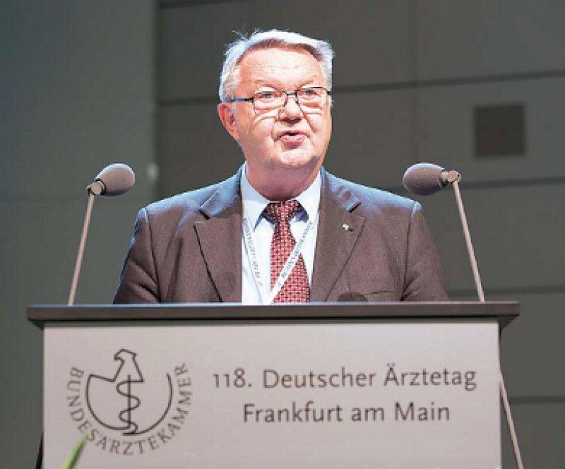 """""""Eine pauschale Beschränkung des Einsichtsnahmerechts auf objektive Befunde und Aufzeichnungen der ärztlichen Dokumentation ist nicht verfassungskonform."""" Udo Wolter"""