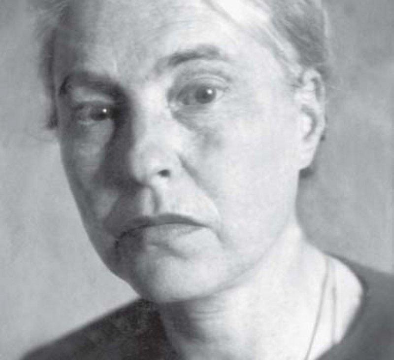 """Mit ihrem im Exil geschriebenen Roman """"Das sieb- te Kreuz"""" (1942), der die Flucht von sieben KZ-Häftlin- gen behandelt, erlangte Anna Seghers Weltruhm. Fotos: dpa"""