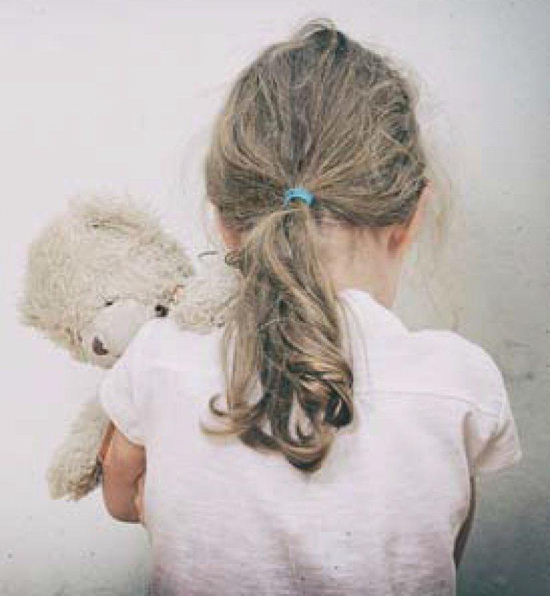 Grundrisiko einer Kindheit – das darf sexueller Missbrauch nicht länger sein, so der Beauftragte der Bundesregierung, Johannes-Wllhelm Rörig. Foto: Fotolia/dmitrimaruta
