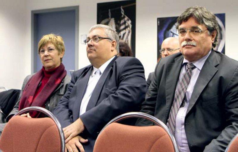Vor Gericht: Angelika Prehn, Uwe Kraffel und Burkhard Bratzke (v.l.) 2012 vor dem Landessozialgericht Potsdam – auch damals ging es um das Übergangsgeld. Foto: dpa
