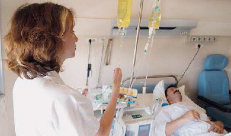 Gut versorgt: Die Qualitätsmessung in den Krankenhäusern hat zu Verbesserungen in vielen Bereichen geführt, sagt Qualitätsexperte Joachim Szecsenyi. Foto: Your Photo Today