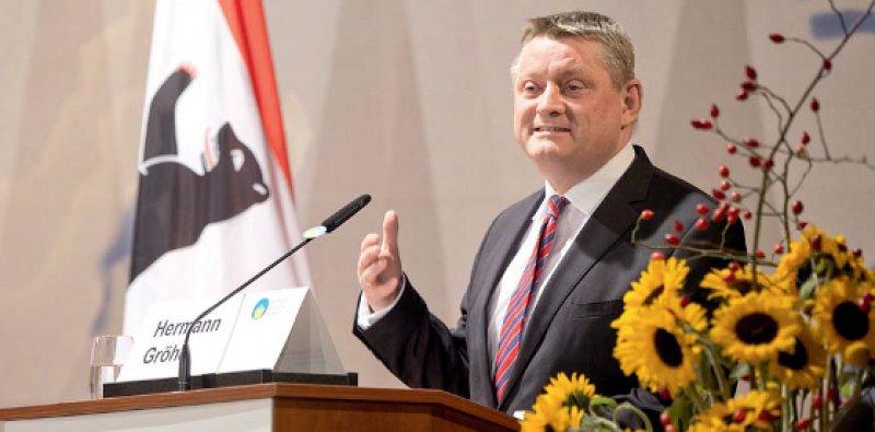 """Hermann Gröhe: """"Wir müssen auf globaler Ebene zusammenarbeiten, um bei der nächsten Krise besser vorbereitet zu sein."""" Foto: dpa"""