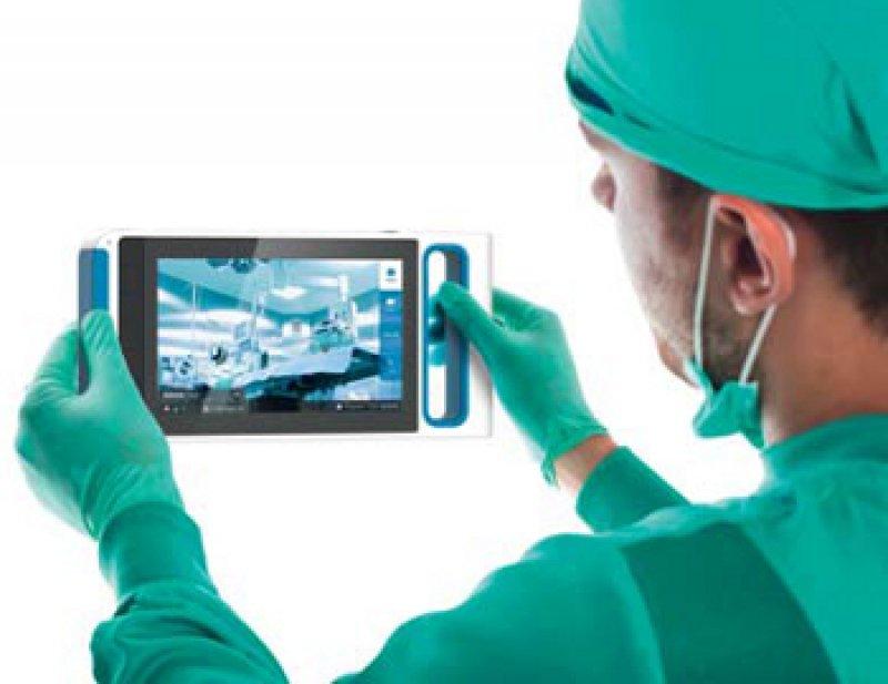 Fotografieren und dokumentieren: Das Kamerasystem verbindet eine hohe Bildqualität mit direkter Archivierung in der Patientenakte. Foto: XotonicsMED