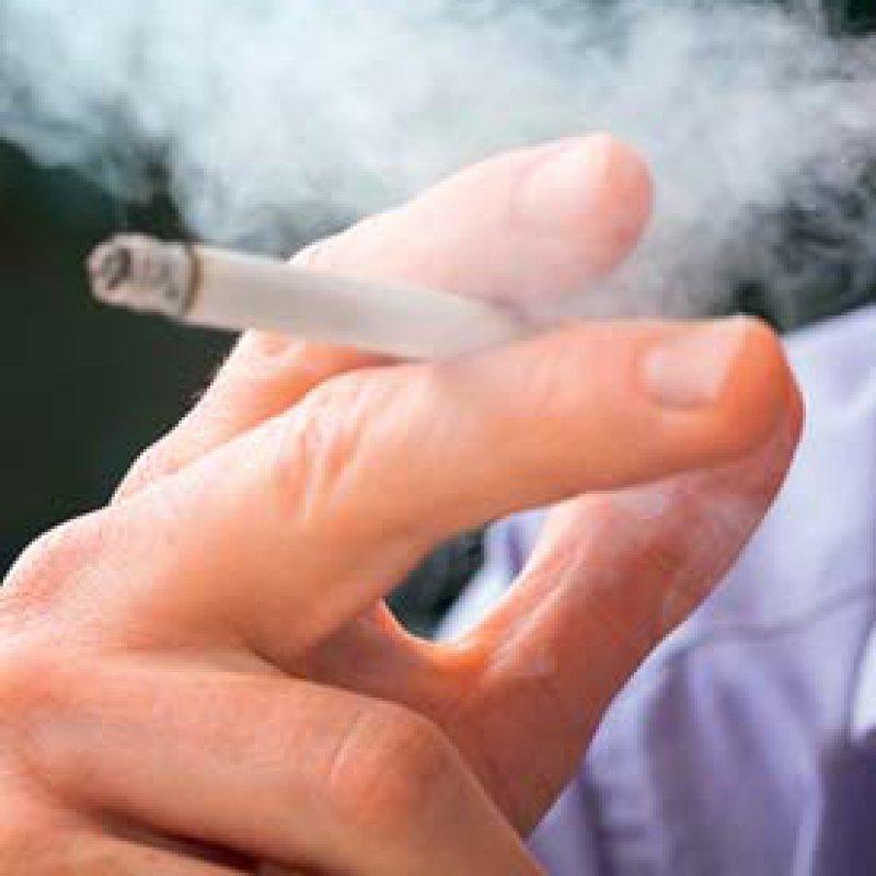 Sinkende Raucherquoten unter jungen Erwachsenen und Minderjährigen verzeichnet der aktuelle Tabakatlas. Foto: Fotolia/Photographee