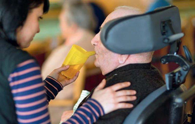 Kein Pflegebedürftiger, der schon Leistungen bezieht, soll mit dem neuen System schlechter gestellt werden. Foto: dpa
