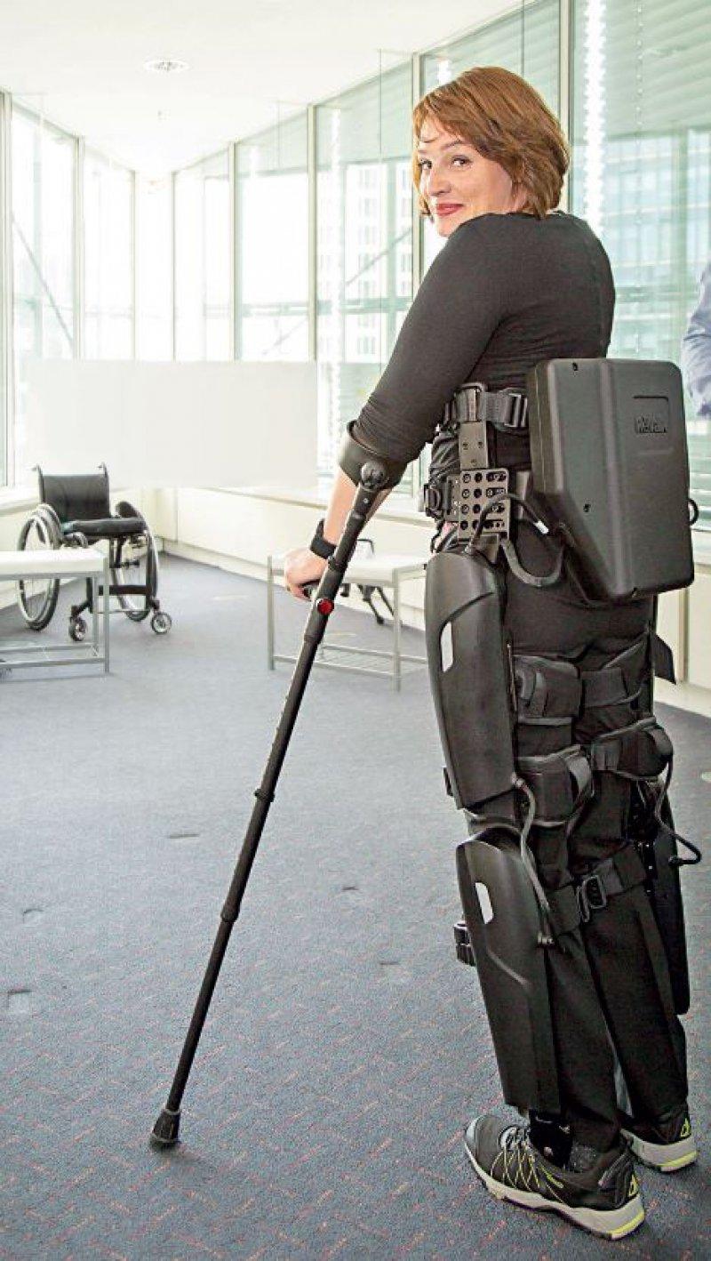 Das ReWalk-System Personal 6.0 ist von Patientin Christine Maria Burger im Oktober beim World Health Summit in Berlin vorstellt worden. Foto: ReWalk