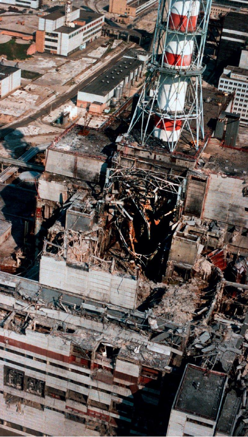 Der zerstörte Reaktorblock des Atomkraftwerks Tschernobyl (Foto aus dem Jahr 1986). Foto: dpa
