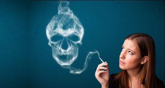 Tabak Rauchen Totenkopf /ra2 studio stock.adobe.com