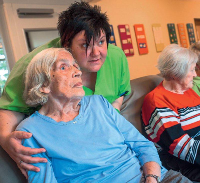 Pflegekräfte in den neuen Bundesländern sollen weiterhin weniger Tariflohn erhalten. Foto: dpa