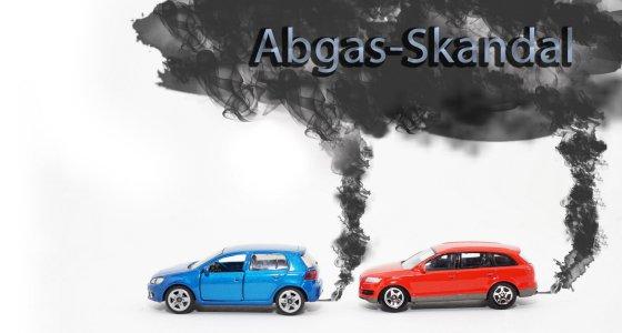 Abgasskandal Diesel Autos mit Abgaswolke /WS-Design Stock.Adobe.com