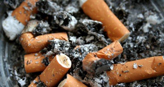 Rauchen: Millionen Tote, Milliardenkosten und Umweltfolgen