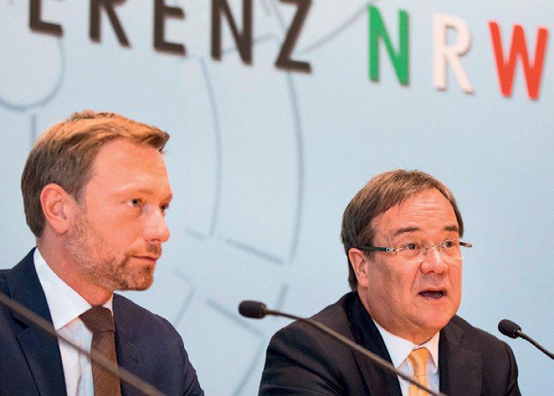 Armin Laschet (CDU), re., daneben Christian Lindner (FDP), könnte am 27. Juni zum Ministerpräsidenten gewählt werden. Foto: picture alliance