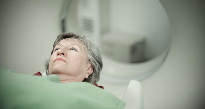 Wirbelmetastasen: Einmalige Bestrahlung kann Gehfähigkeit wiederherstellen