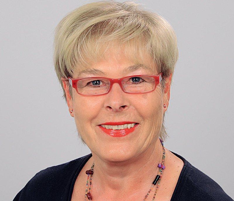 """Rosemarie Piontek ist niedergelassene Verhaltenstherapeutin in einer Praxisgemeinschaft in Bamberg, Supervisorin, Lehrtherapeutin und Autorin des Buches """"Doing Gender – Umgang mit Rollenstereotypen in der therapeutischen Praxis"""". Foto: privat"""
