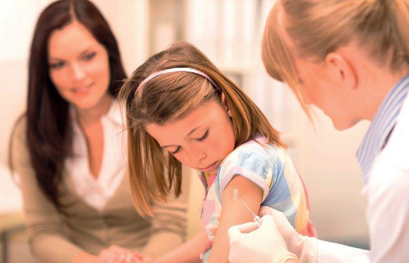 Ängste und Vorurteile von Impfungen werden in dem Ratgeber thematisiert. Foto: picture alliance