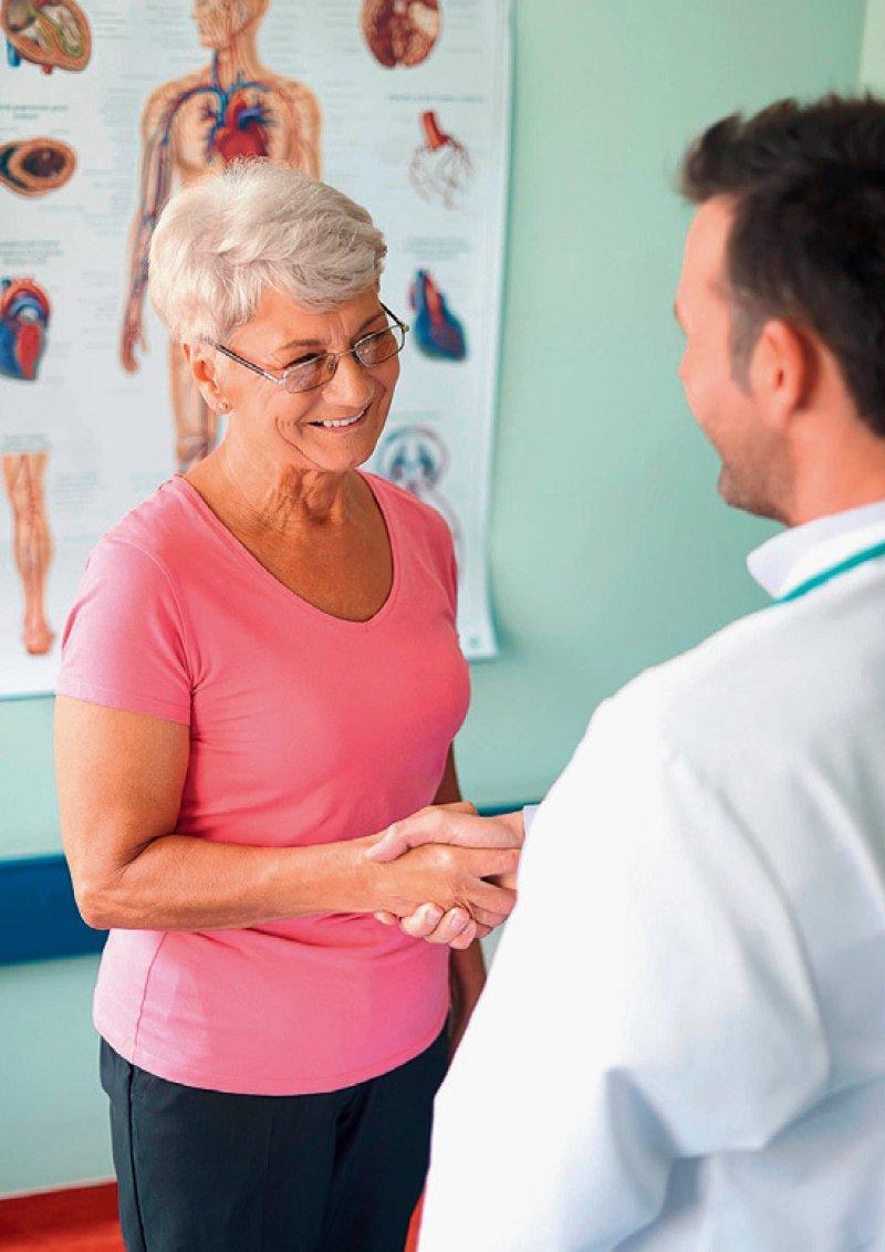 Objektive Gesundheitsinformationen vermissen deutsche Versicherte. Foto: mauritius images