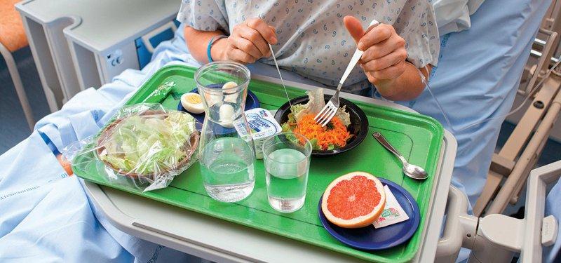 75 Empfehlungen zur Ernährung von Patienten mit neurologischen Erkrankungen sind in der Leitlinie enthalten. Foto: picture alliance