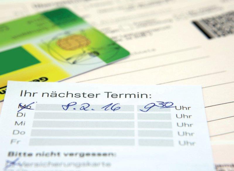 Unterschiede bei Wartezeiten gibt es laut WIP nur bei Behandlungen, bei denen der Arzt keine Dringlichkeit sieht. Foto: M. Schuppich/stock.adobe.com