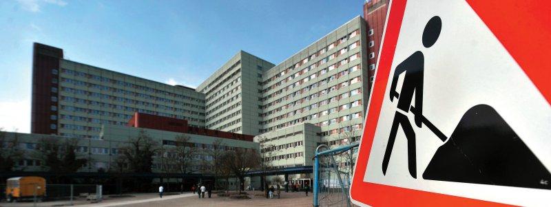 Umbau des Klinikums Augsburg: Ein Anbau mit einer neuen Intensivstation soll ab November 2019 in Betrieb gehen, ab 2021 steht die Sanierung des Bettenhochhauses an. Foto: dpa