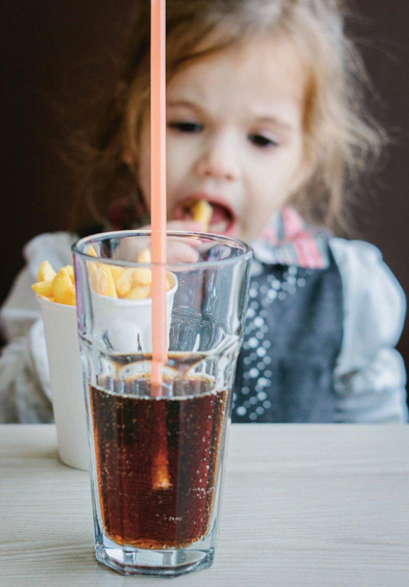 Den offenen Brief für mehr Engagement gegen Fehlernährung von Kindern unterzeichneten mehr als 1 300 Kinder- und Jugendärzte, 222 Diabetologen und 58 Professoren der Medizin. Foto: sharafmaksumov/stock.adobe.com
