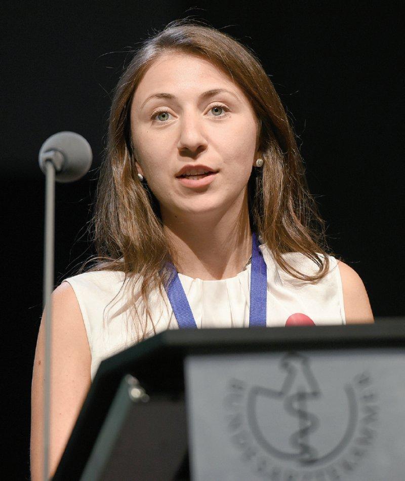 Jana Aulenkamp, bvmd-Präsidentin und Studentin in Bochum, fordert einen Kulturwandel innerhalb der Ärzteschaft.